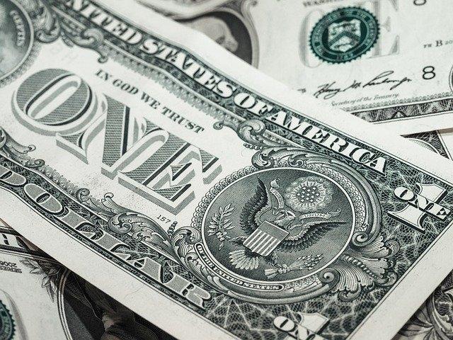 Qui est le plus cher entre l'euro et le dollar ?